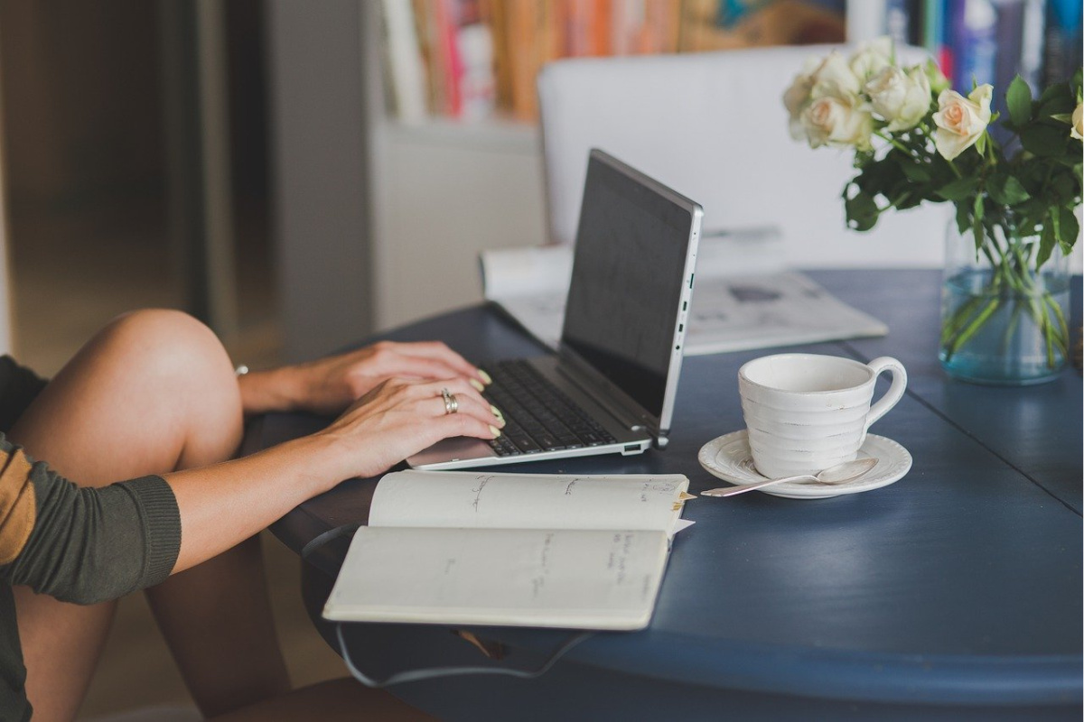Whether you want to work from home or change up your career and work for yourself, freelance writing should be one of your top considerations.